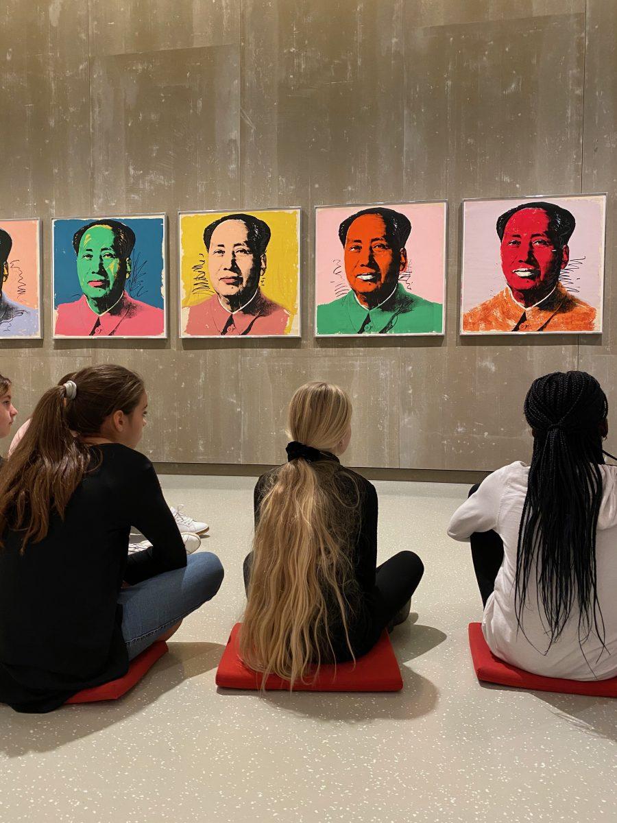 Schüler im Schlossmuseum